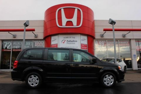 Pre-Owned 2013 Dodge Grand Caravan SE- 7 PASSENGER+ MP3 COMPATIBLE & MORE! FWD Mini-van, Passenger