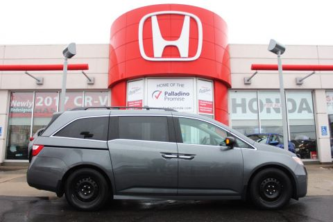 Pre-Owned 2013 Honda Odyssey Touring - FULLY LOADED - With Navigation