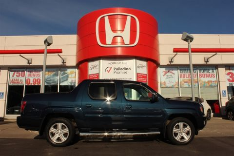 Pre-Owned 2012 Honda Ridgeline Touring- NAVIGATION+ LEATHER+ BACKUP CAM With Navigation & 4WD