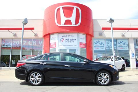 Pre-Owned 2013 Hyundai Sonata - GREAT SEDAN FOR ALL TO ENJOY - FWD 4dr Car
