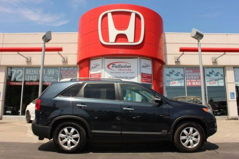 Pre-Owned 2012 Kia Sorento LX- BLUETOOTH+ HEATED SEATS+ KEYLESS START! AWD